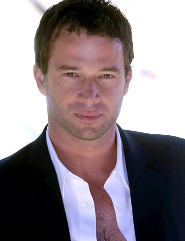 James Purefoy possível James Bond
