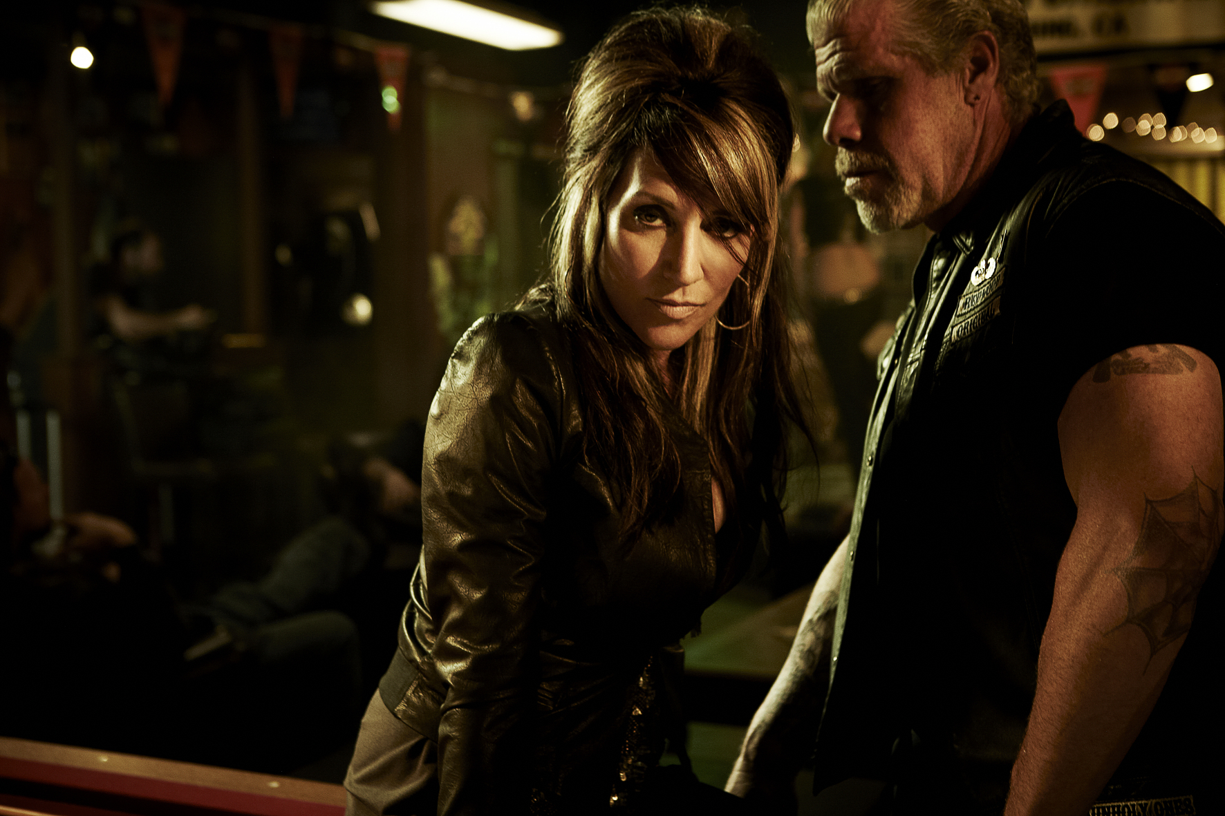 SONS OF ANARCHY: L-R: Katey Sagal and Ron Perlman. CR: James Minchin III / FX